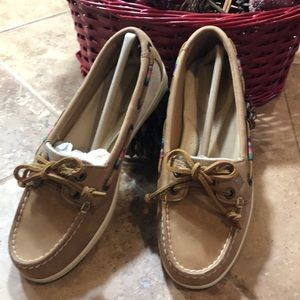 Sperry Top-sider size 6 New